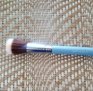 SIGMA 'Duo Fibre' BrushSOLD ON  TITLE